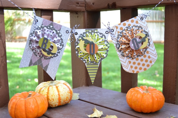 Halloween Banner by Aly Dosdall for We R Memory Keepers #halloween #halloweendecor
