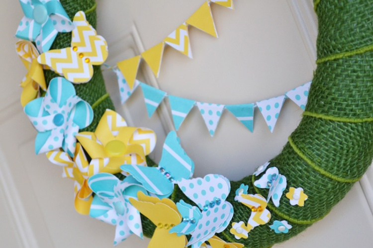 We R Spring Pinwheel Wreath by Aly Dosdall_close1