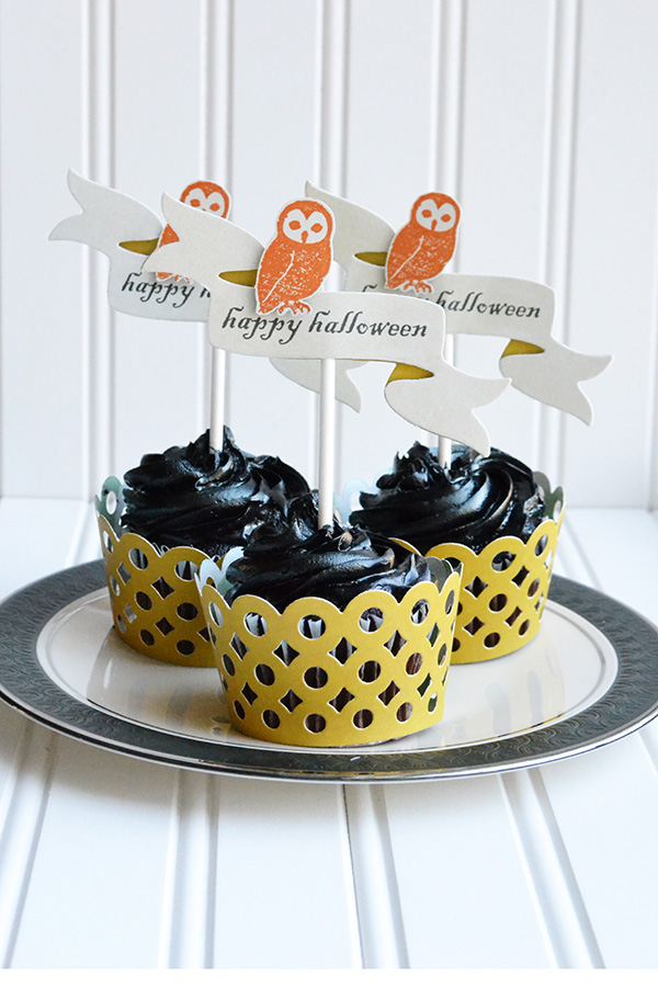 Halloween Cupcake Wrappers and Toppers by Aly Dosdall