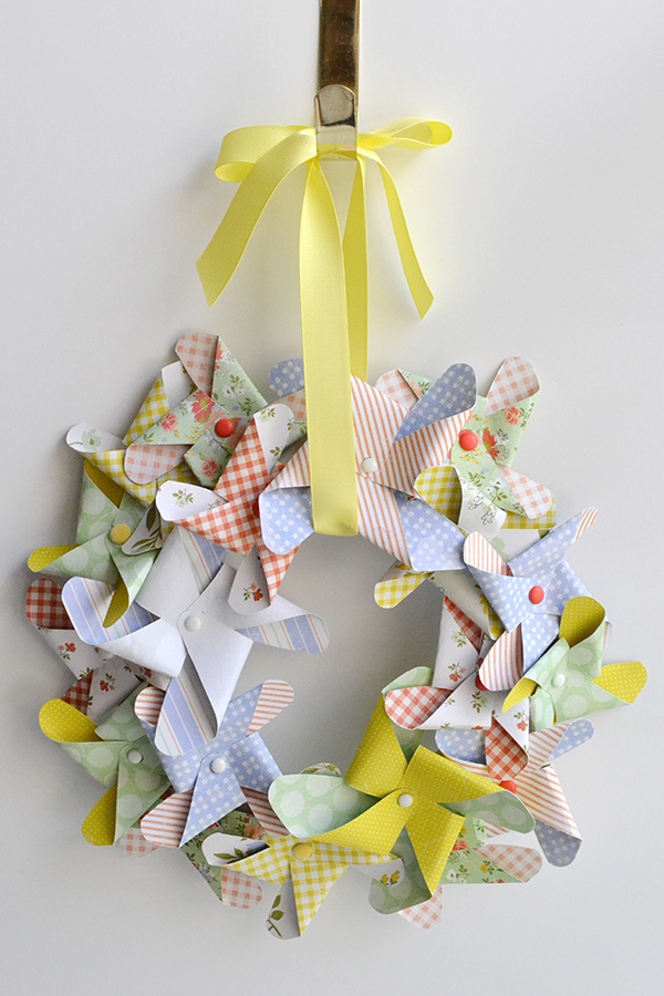 Pinwheel wreath by Aly Dosdall