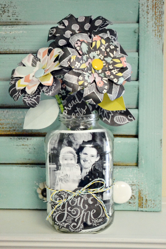 we-r-mason-jar-photo-display-by-aly-dosdall