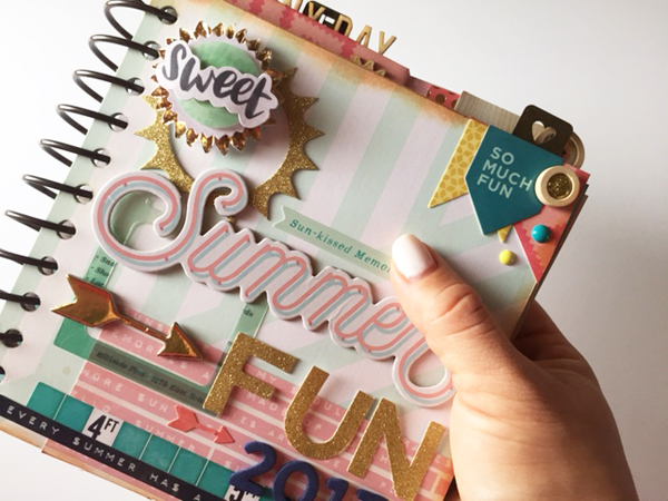 Summer Mini Album made using the We R Memory Keepers Cinch binding tool by designer Jen McDermott #wermemorykeepers #thecinch