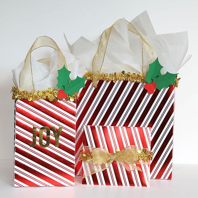 Christmas_Gift_Bags_We_R_Memory_Keepers_Template_Studio_Juliana_Michaels01