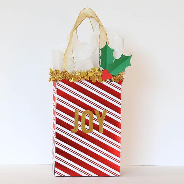 Christmas_Gift_Bags_We_R_Memory_Keepers_Template_Studio_Juliana_Michaels02