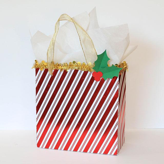 Christmas_Gift_Bags_We_R_Memory_Keepers_Template_Studio_Juliana_Michaels04
