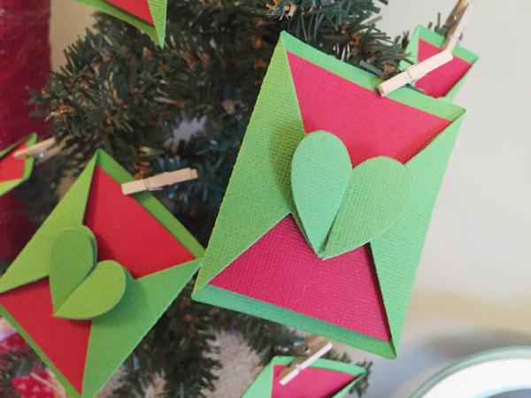 ChristmasDecorwithEvoAdvanced by Jen McDermott3