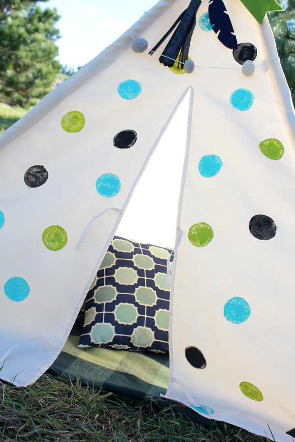 Polka Dot Teepee By Samantha Taylor for We R Memory Keepers #DIYteepee #targetcom