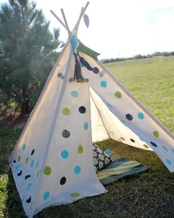 Polka Dot Teepee By Samantha Taylor for We R Memory Keepers #DIYteepee #targetcom
