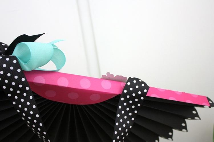 Shellye McDaniel-DIY Party Fringe Board Rosette Bunting7