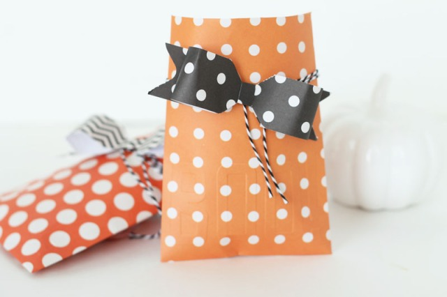 halloween-treat-envelopes-by-laura-silva-1