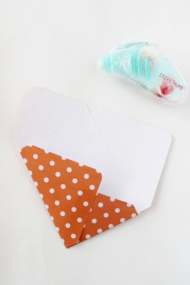 halloween-treat-envelopes-by-laura-silva-3