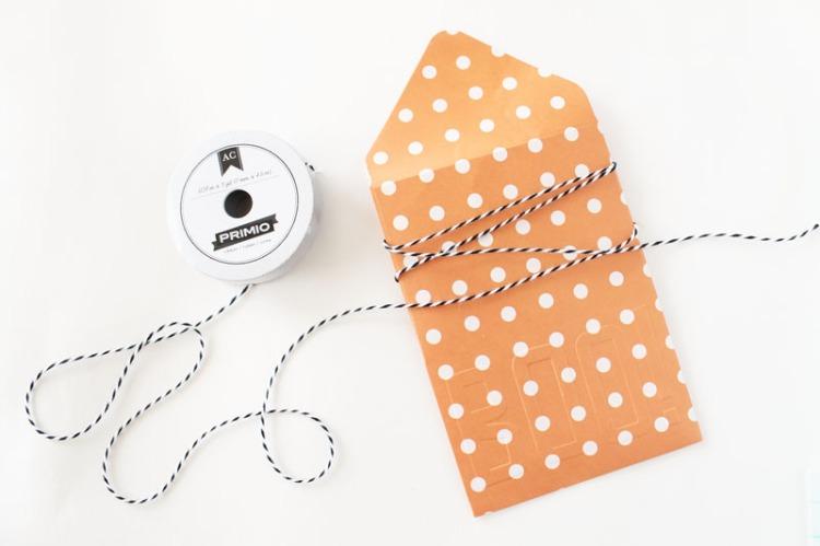 halloween-treat-envelopes-by-laura-silva-5