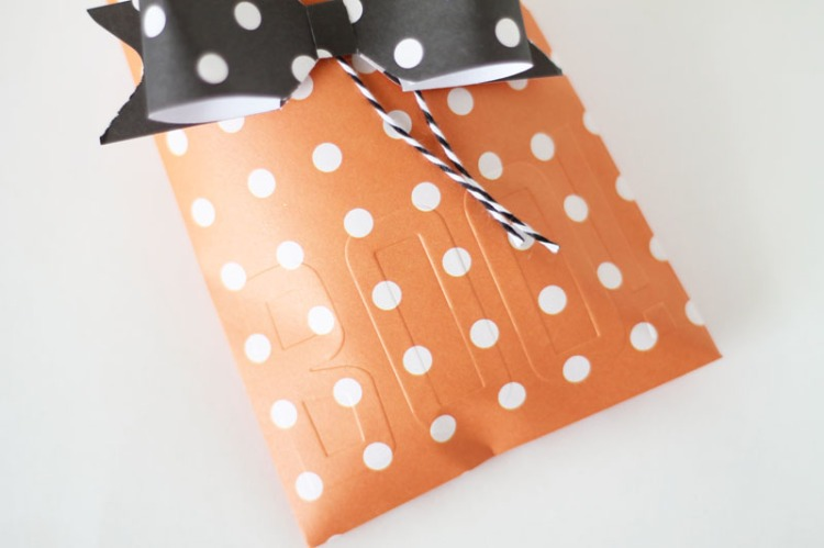halloween-treat-envelopes-by-laura-silva-7
