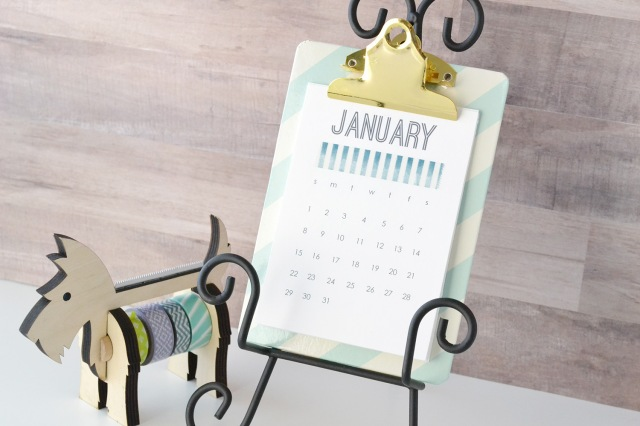 2017-printable-desk-calendar-by-aly-dosdall-4