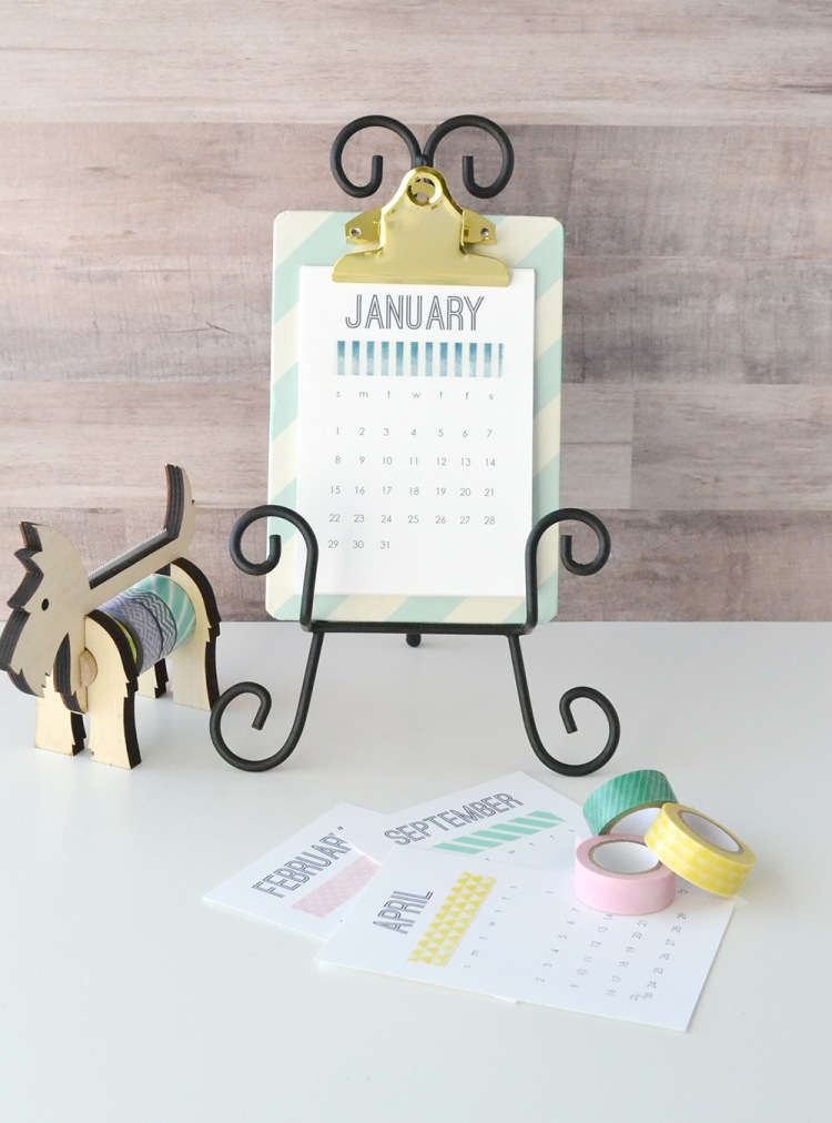 2017-printable-desk-calendar-by-aly-dosdall