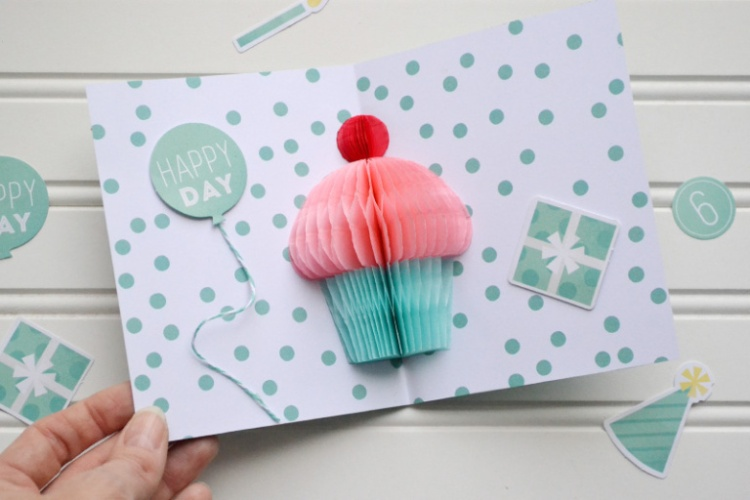 6_diy-party_birthday-card-by-aly-dosdall-3