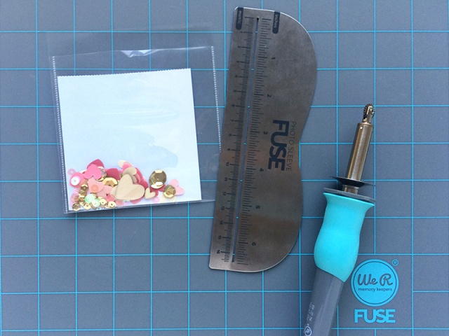 Shaker pocket with the Photo Sleeve Fuse