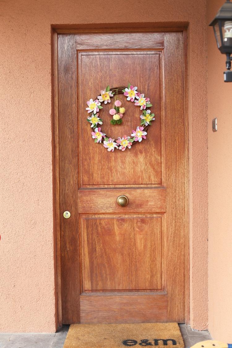 Pinwheel Flower Wreath by Eva Pizarro for We R Memory Keepers