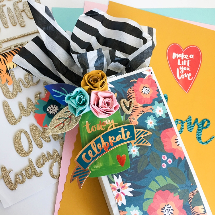 Dial Trimmer Gift Packaging by Tessa Buys for We R Memory Keepers