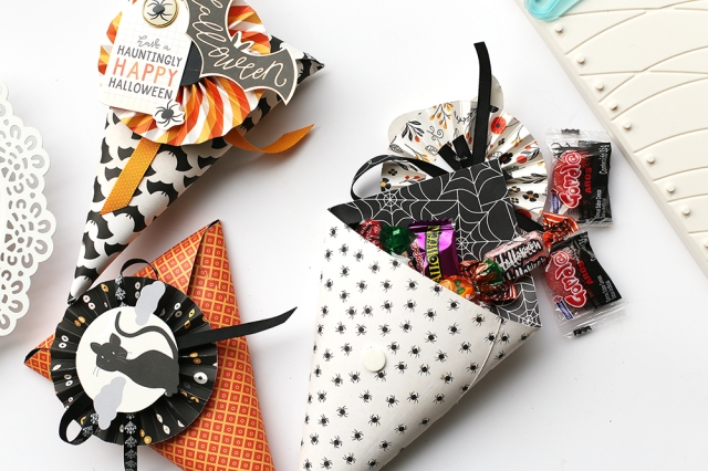 Halloween Treat Bags with the DIY Party Board by Eva Pizarro for We R Memory Keepers
