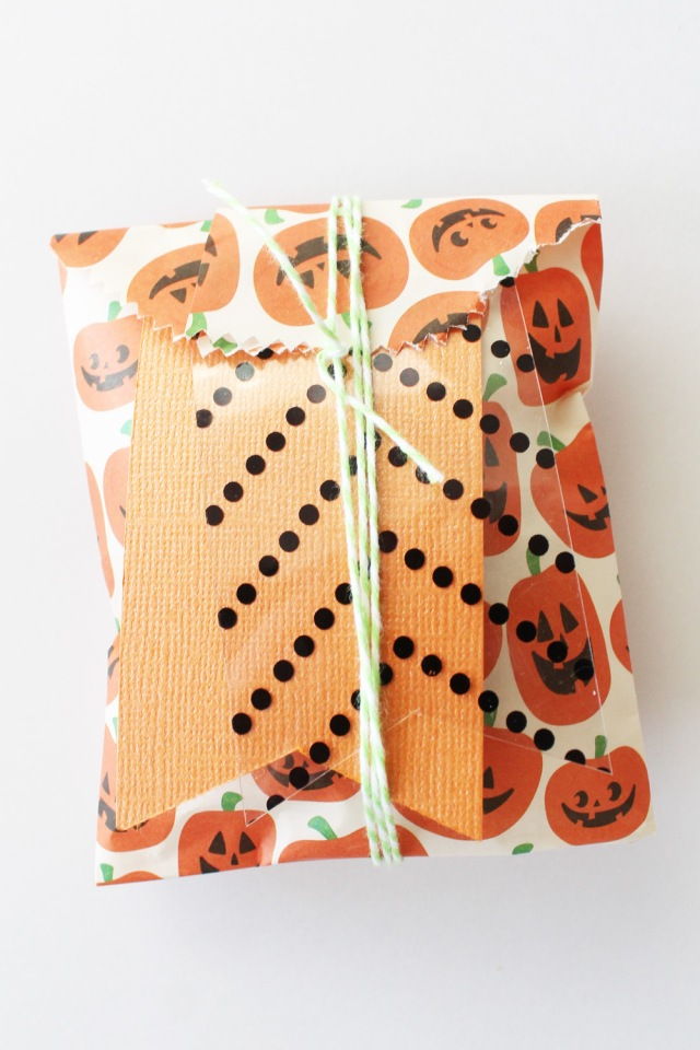 Halloween Treat Bag with the Goodie Bag Guide by Laura Silva for We R Memory Keepers