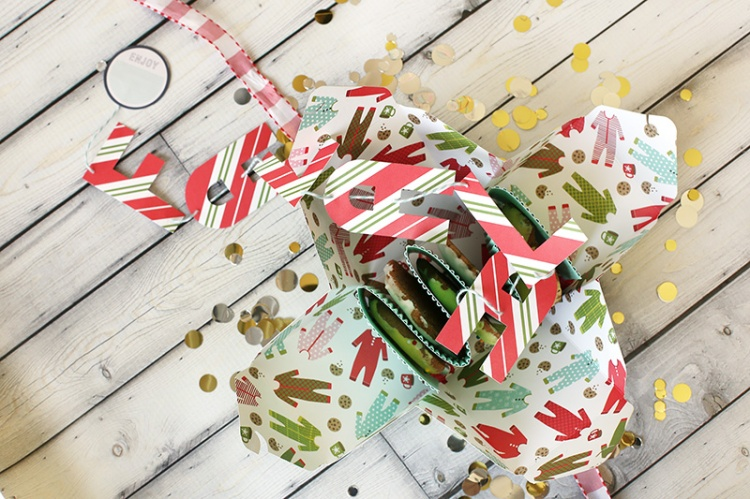 Christmas Cookie Boxes by Eva Pizarro for We R Memory Keepers