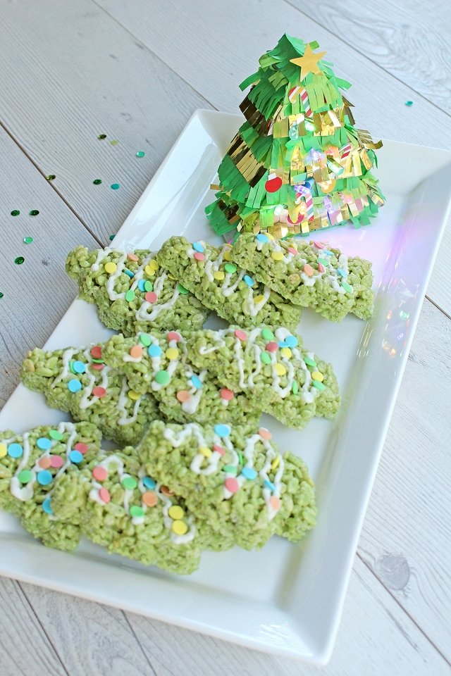 Christmas Tree Piñata Platter by Chantalle McDaniel for We R Memory Keepers