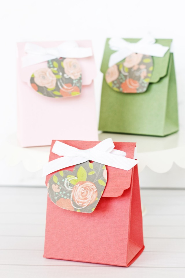 Wedding Favor Boxes by Laura Silva for We R Memory Keepers