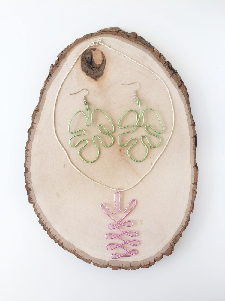 DIY Wire Jewelry with the Happy Jig by Aly Dosdall for We R Memory Keepers
