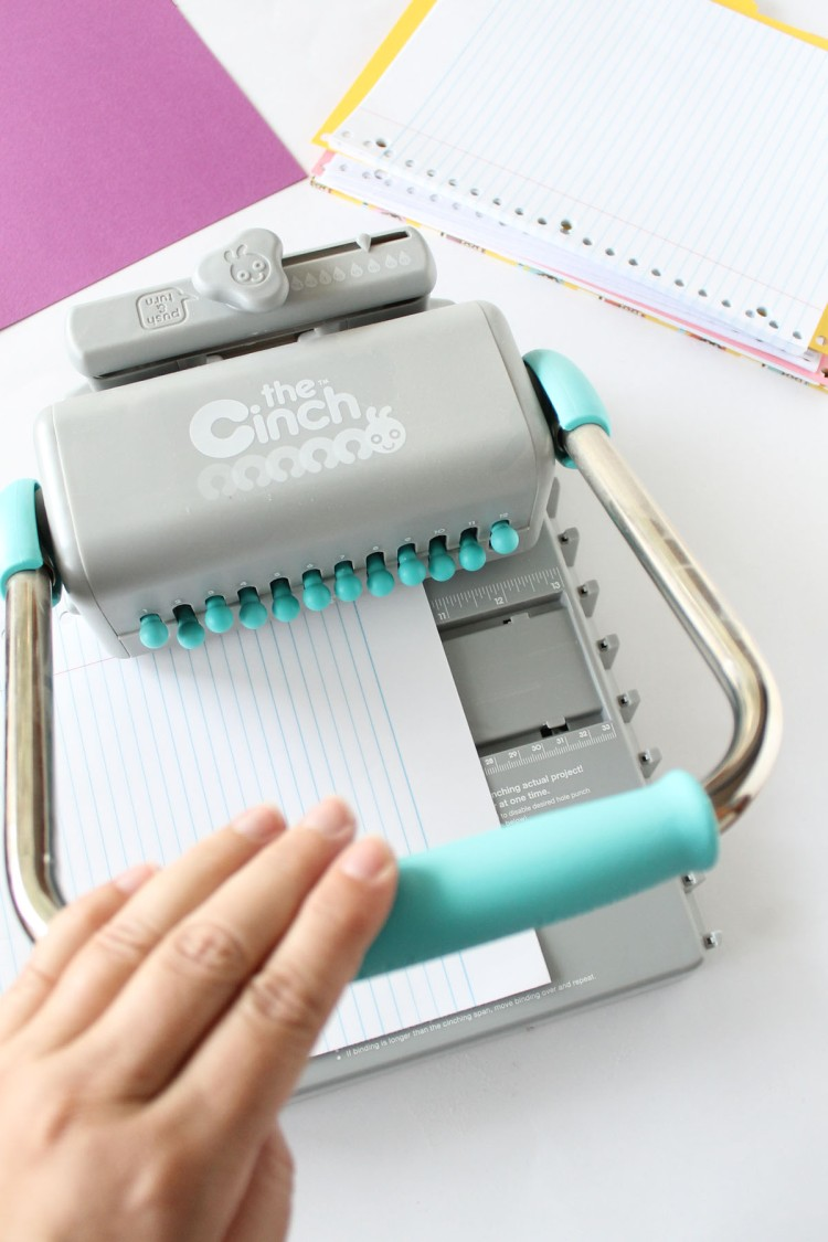 We R Memory Keepers Cinch binding tool