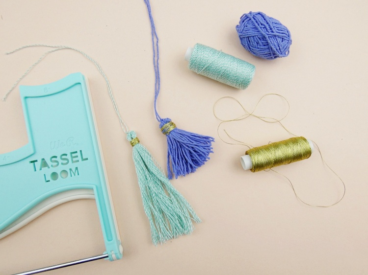 We R Memory Keepers Tassel Loom