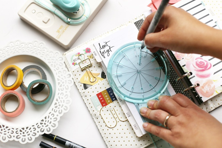 Planner Spread with the Journal Guide by Eva Pizarro for We R Memory Keepers