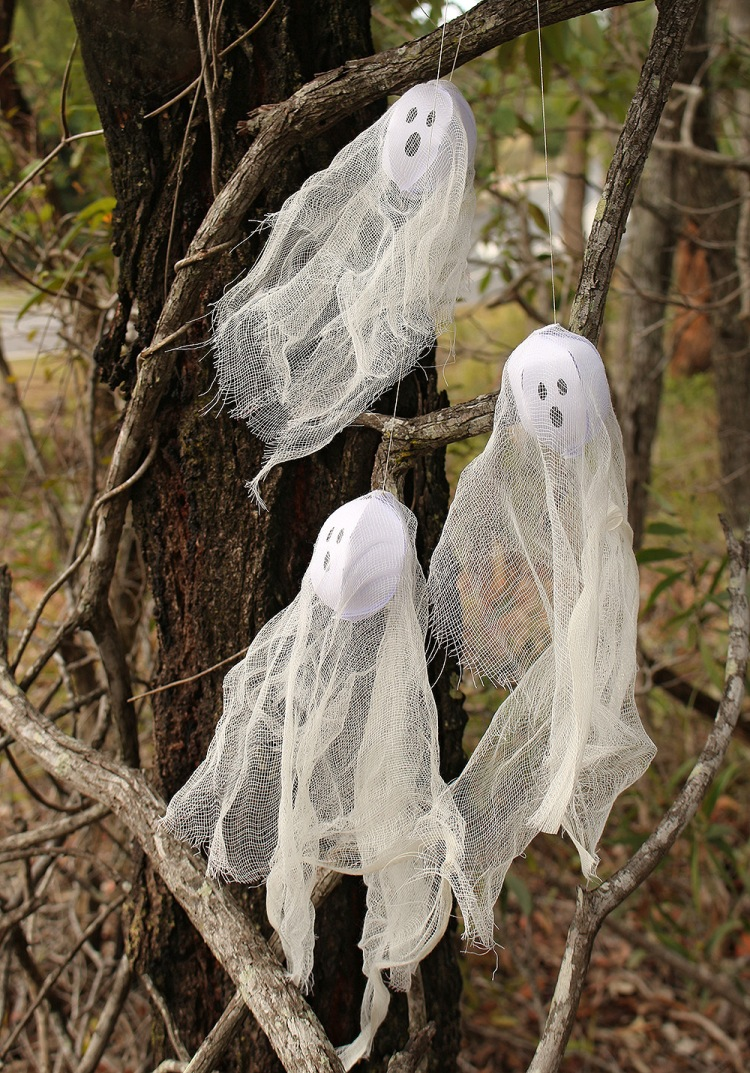 Halloween Hanging Ghosts made with the We R Memory Keepers DIY Party Globe Punch