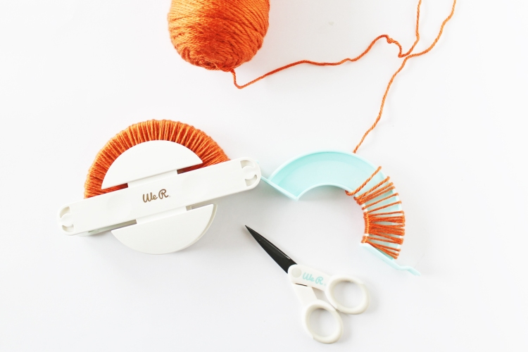 Jumbo Pom Pom Maker by We R Memory Keepers