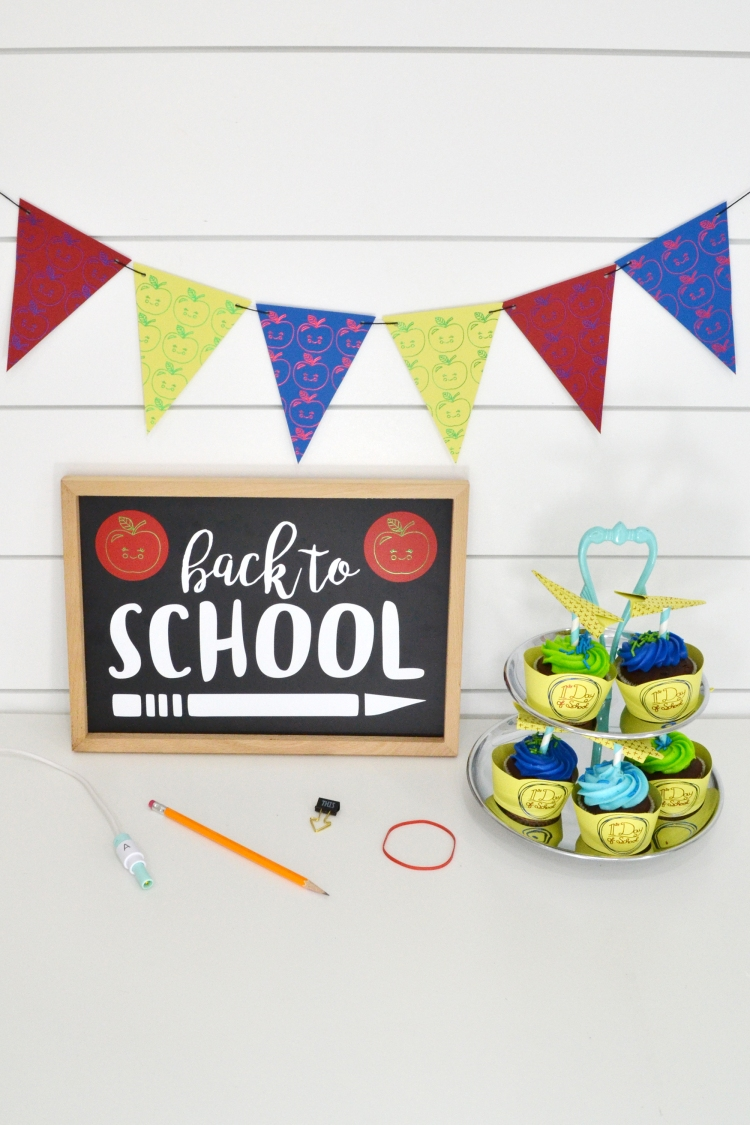 Foil Quill Back to School Party by Aly Dosdall for We R Memory Keepers 2