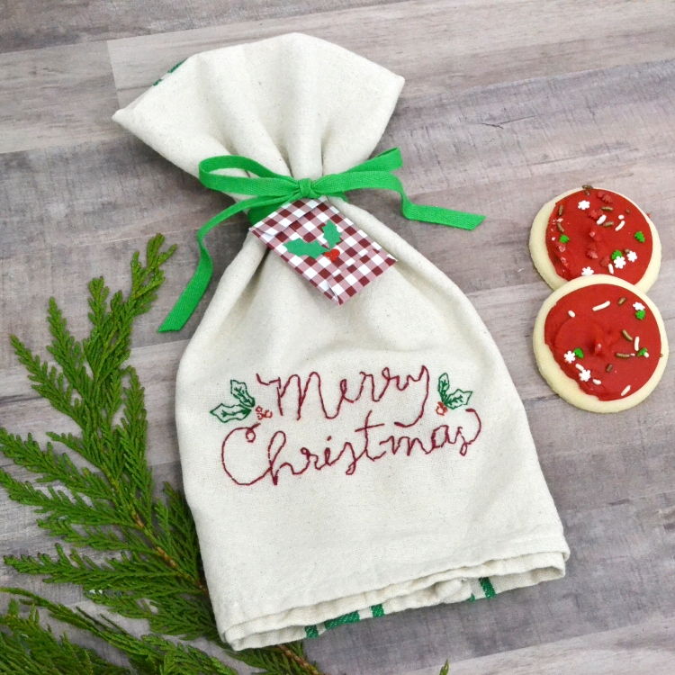 DIY Christmas Tea Towel with the Fabric Quill by Aly Dosdall for We R Memory Keepers